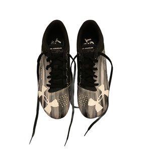 "UNDERARMOUR UA Men's ""Kick Sprint"" Spike Sneakers!"